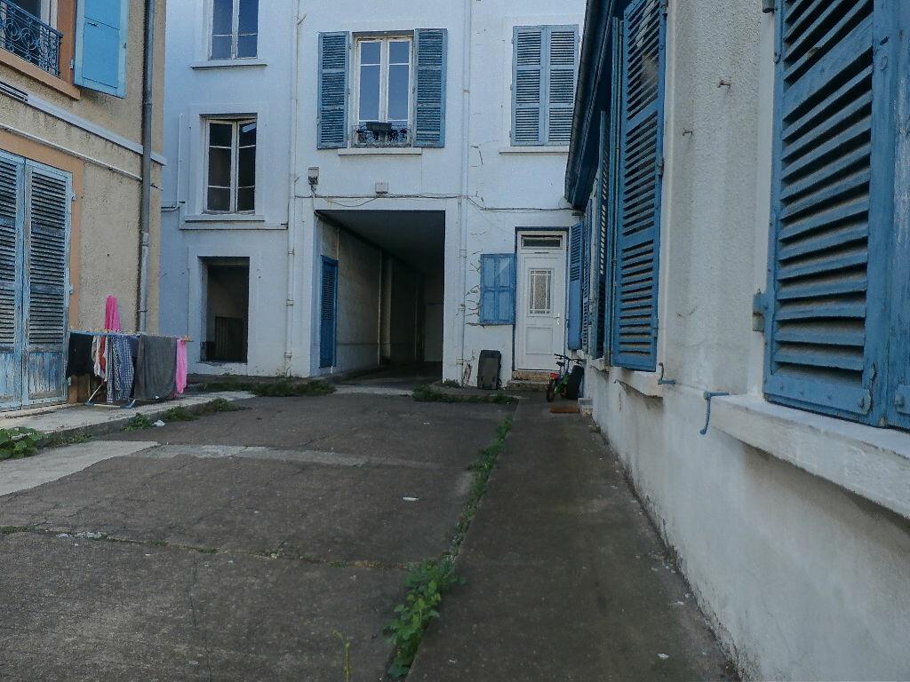 Location Appartement 1 pièce à Saint-Fons - vignette-1