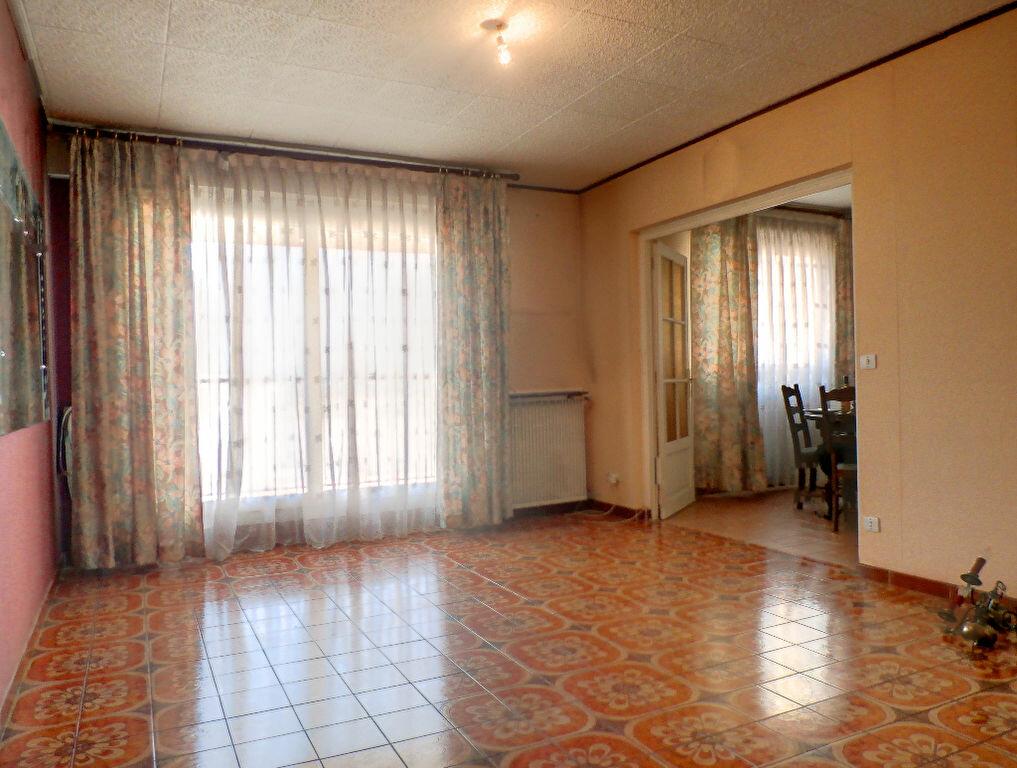 Achat Appartement 3 pièces à Vénissieux - vignette-2