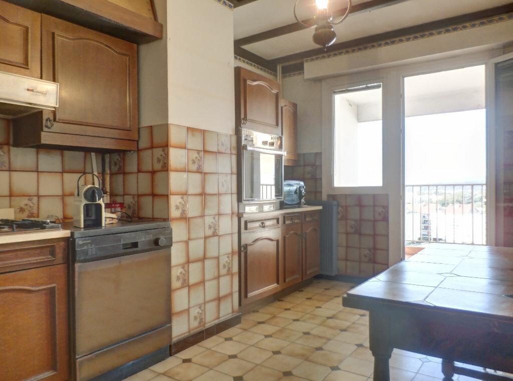 Achat Appartement 3 pièces à Vénissieux - vignette-3