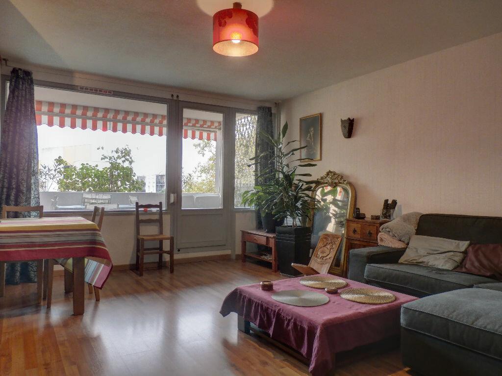 Achat Appartement 4 pièces à Vénissieux - vignette-2