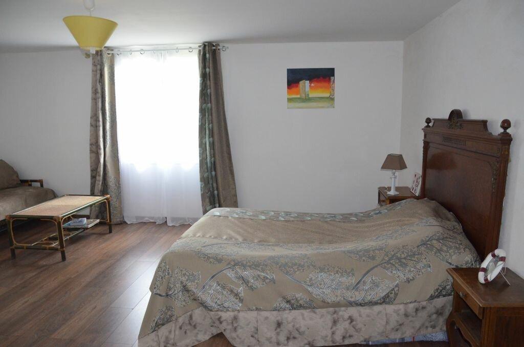 Achat Maison 6 pièces à Saint-André-de-Lidon - vignette-6