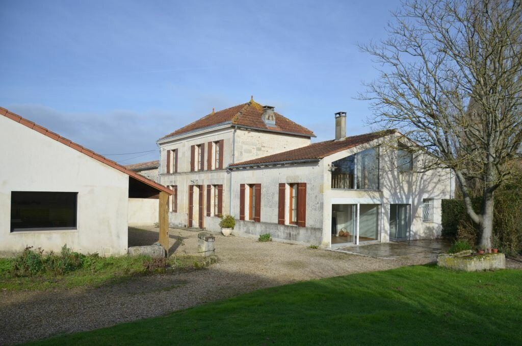Achat Maison 6 pièces à Brie-sous-Mortagne - vignette-1