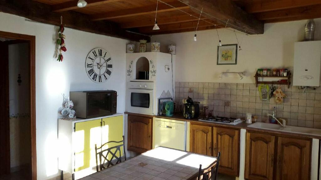 Achat Maison 3 pièces à Saint-André-de-Lidon - vignette-3