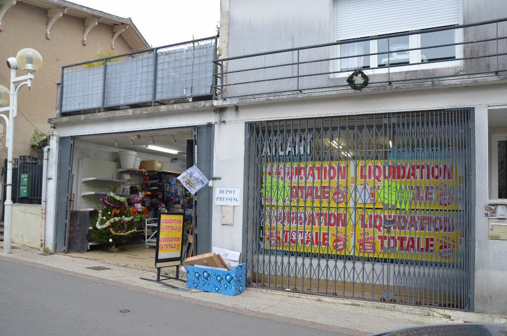 Location Local commercial  à Meschers-sur-Gironde - vignette-1