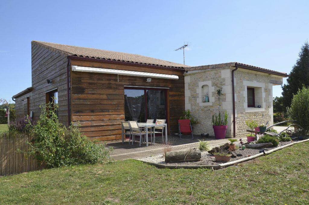 Achat Maison 5 pièces à Saint-André-de-Lidon - vignette-1