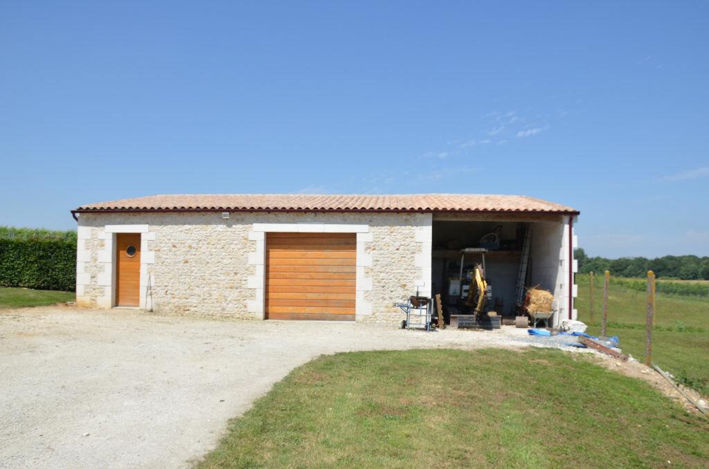 Achat Maison 5 pièces à Saint-André-de-Lidon - vignette-8