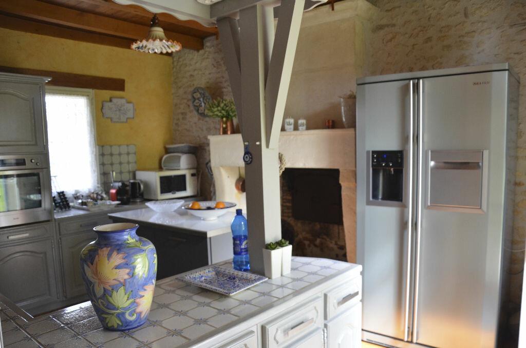 Achat Maison 7 pièces à Saint-André-de-Lidon - vignette-2