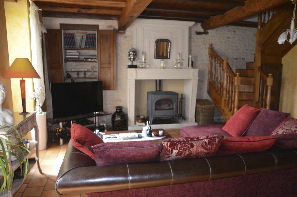 Achat Maison 7 pièces à Saint-André-de-Lidon - vignette-5