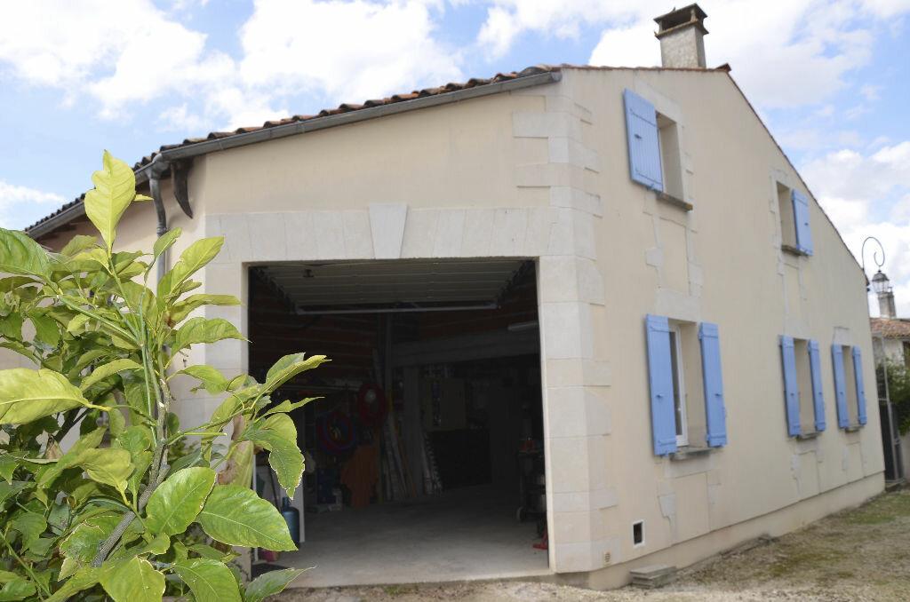 Achat Maison 7 pièces à Saint-André-de-Lidon - vignette-13