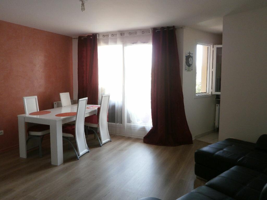 Achat Appartement 4 pièces à Le Blanc-Mesnil - vignette-1