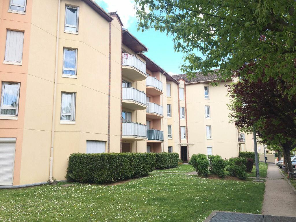 Achat Appartement 3 pièces à Le Bourget - vignette-1