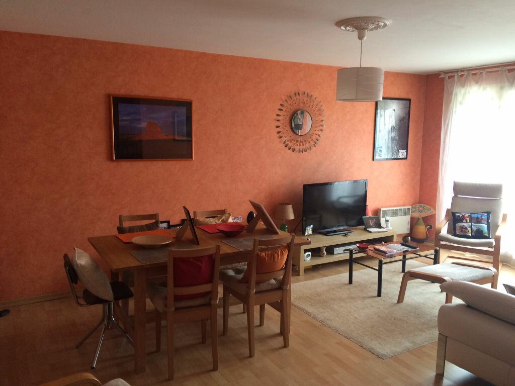 Achat Appartement 3 pièces à Le Bourget - vignette-2