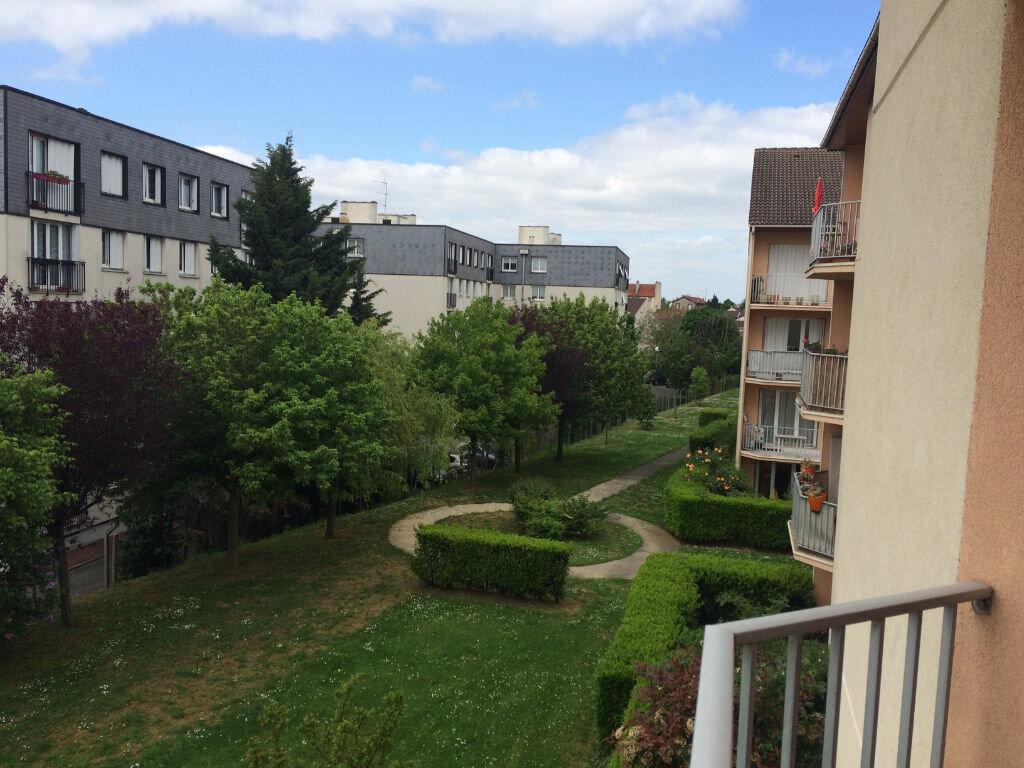 Achat Appartement 3 pièces à Le Bourget - vignette-4