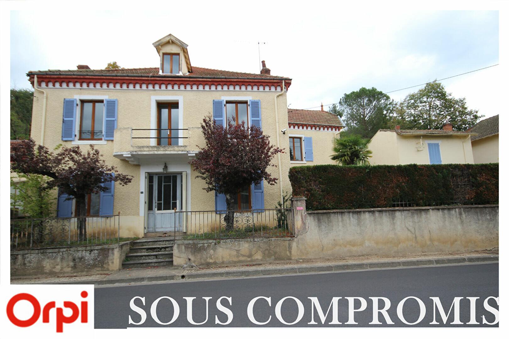 Achat Maison 8 pièces à Auzat-la-Combelle - vignette-1