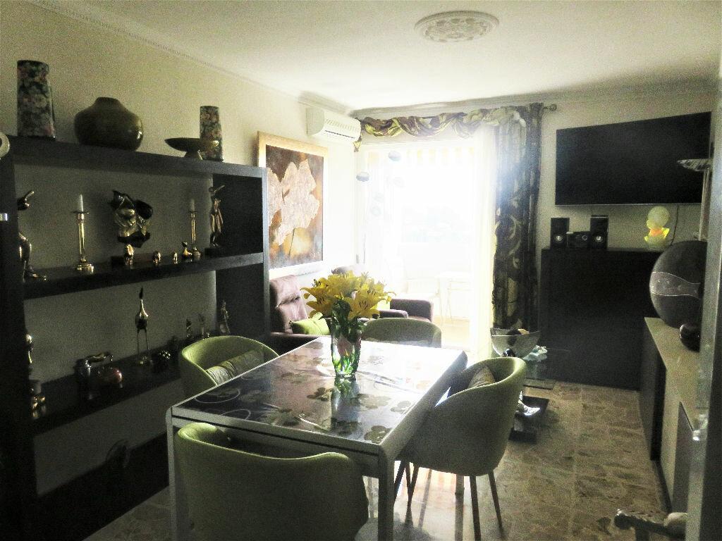 Achat Appartement 3 pièces à Vallauris - vignette-2