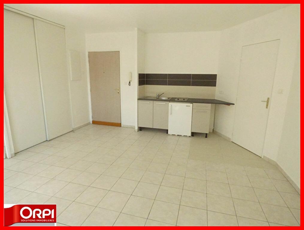Achat Appartement 2 pièces à Vernaison - vignette-2