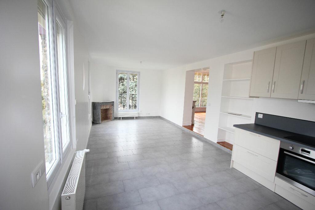 Location Appartement 5 pièces à Fontenay-aux-Roses - vignette-1