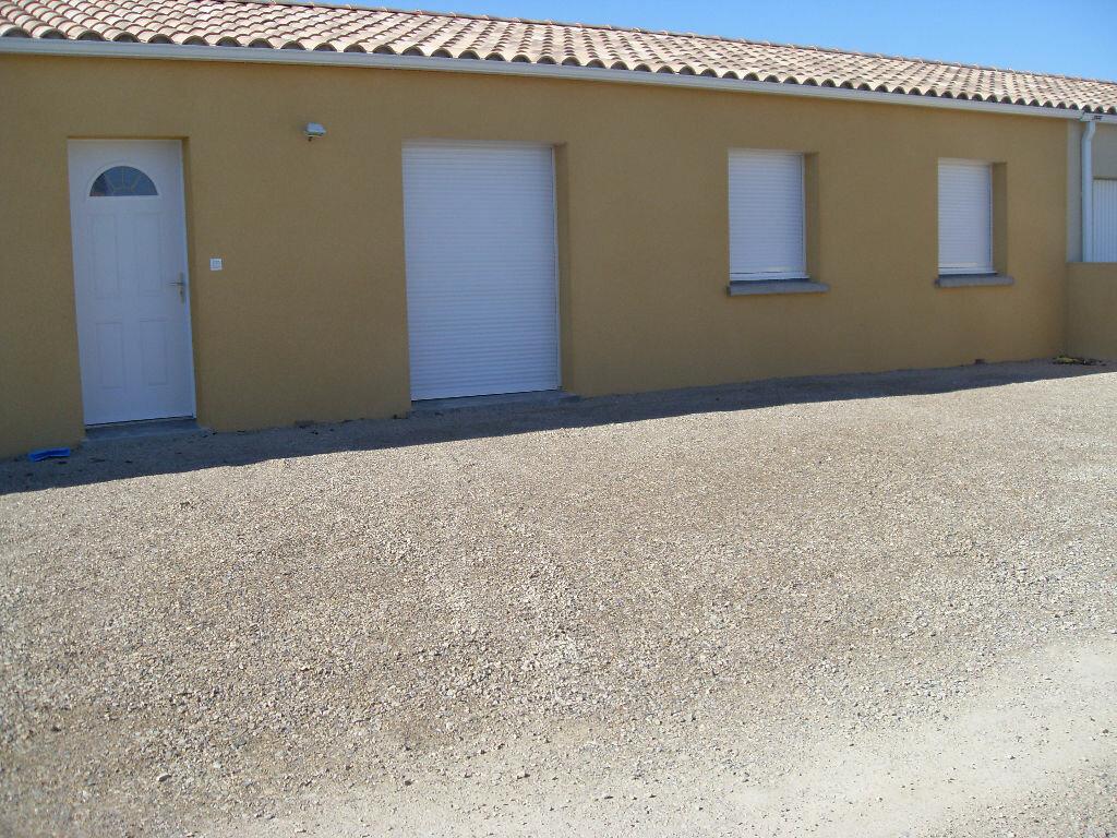 Location Maison 4 pièces à Pauligne - vignette-1