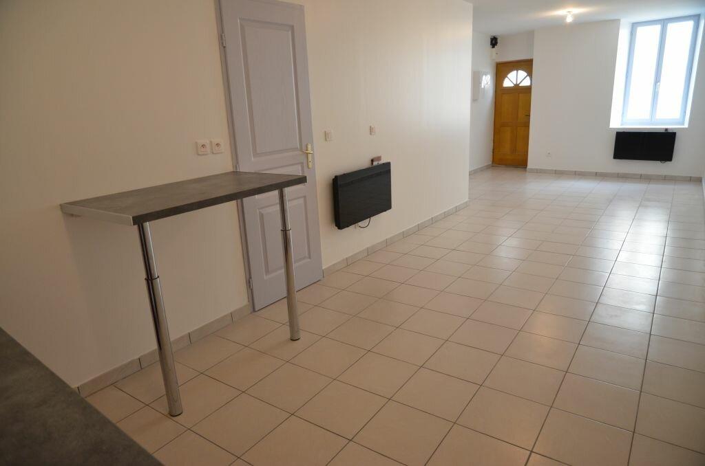 Location Maison 4 pièces à Cépie - vignette-1