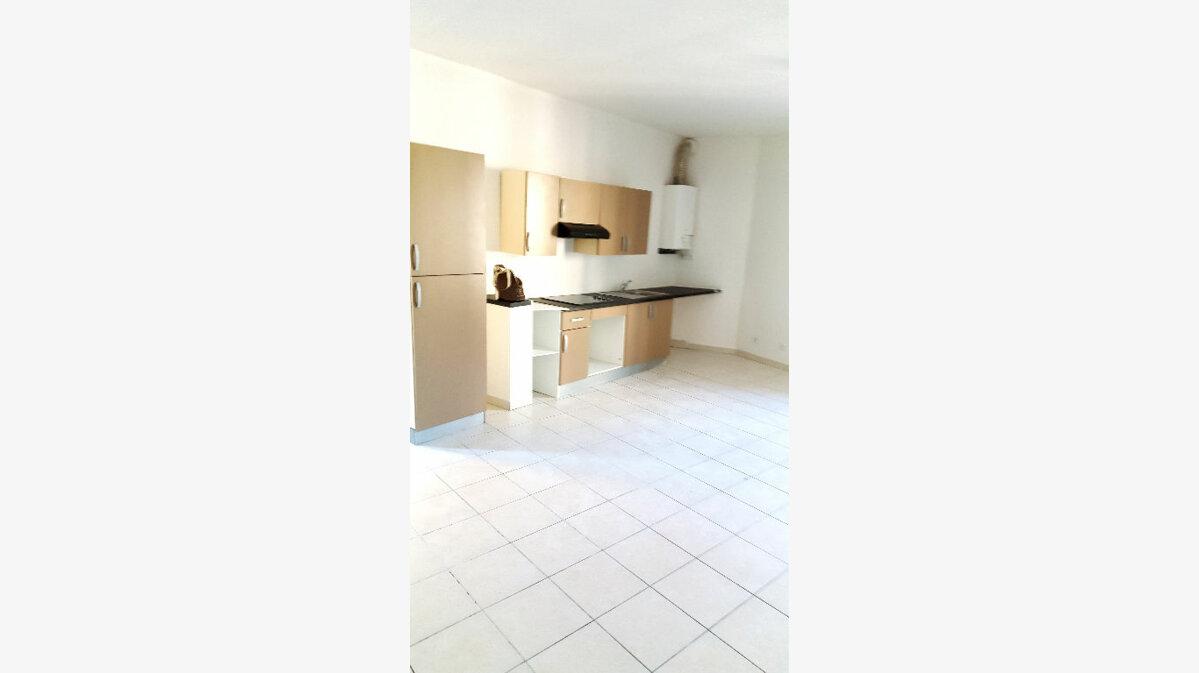 Location Appartement 3 pièces à Carcassonne - vignette-1