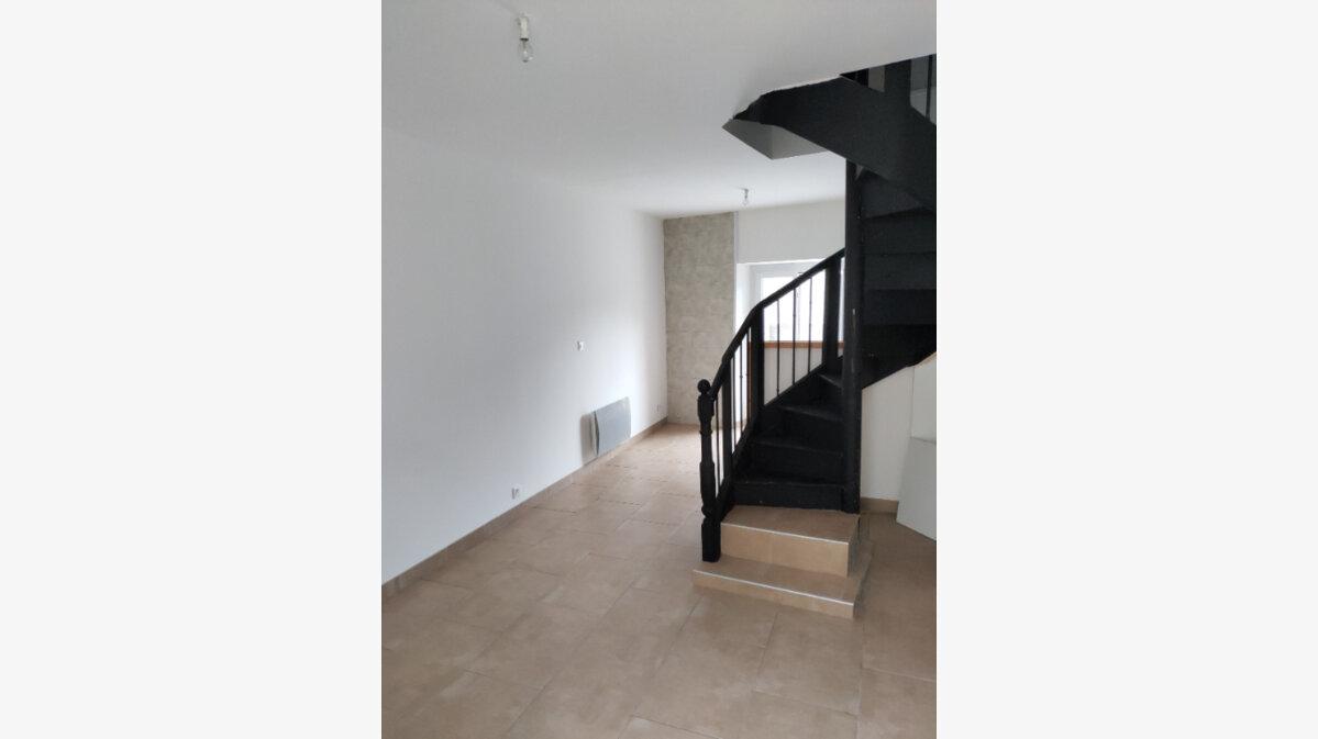 Location Maison 4 pièces à Belvèze-du-Razès - vignette-1