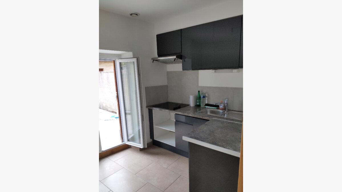 Location Maison 4 pièces à Belvèze-du-Razès - vignette-2