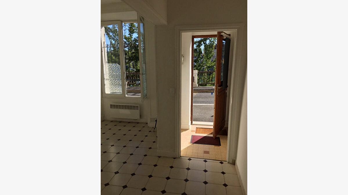 Location Appartement 1 pièce à Thorigny-sur-Marne - vignette-1