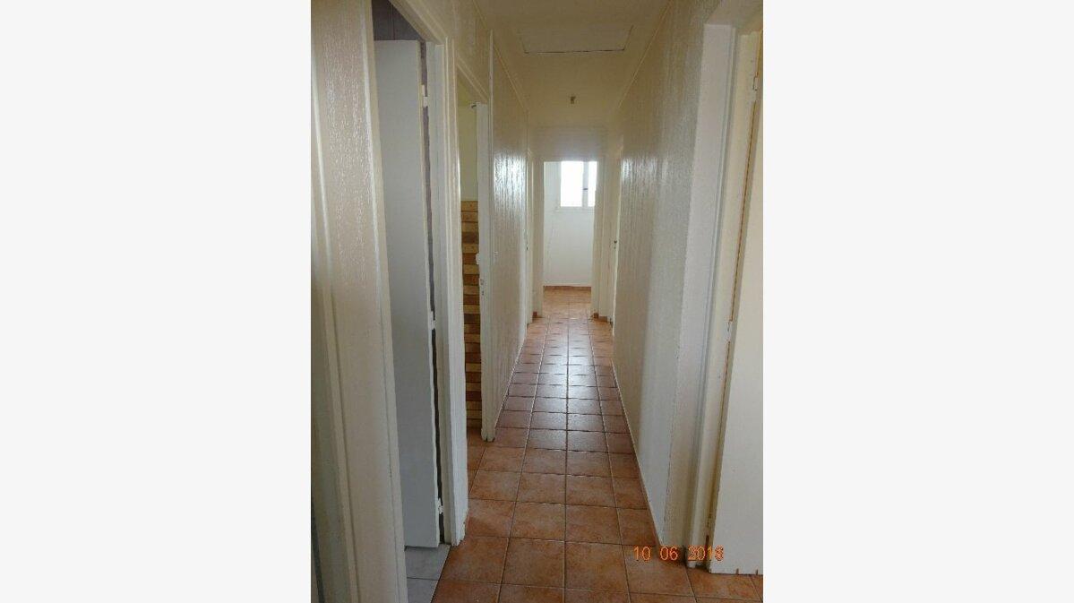 Location Appartement 4 pièces à Roissy-en-Brie - vignette-4