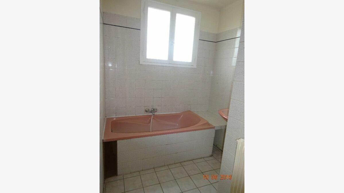 Location Appartement 4 pièces à Roissy-en-Brie - vignette-8