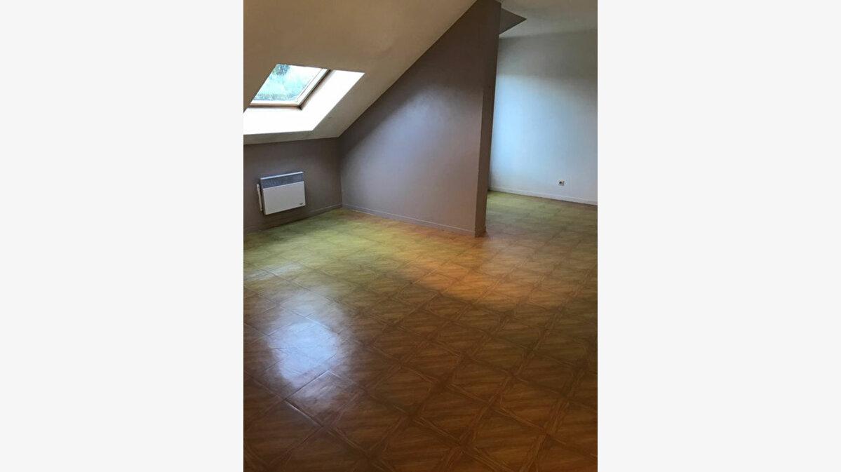 Location Appartement 1 pièce à Esbly - vignette-1