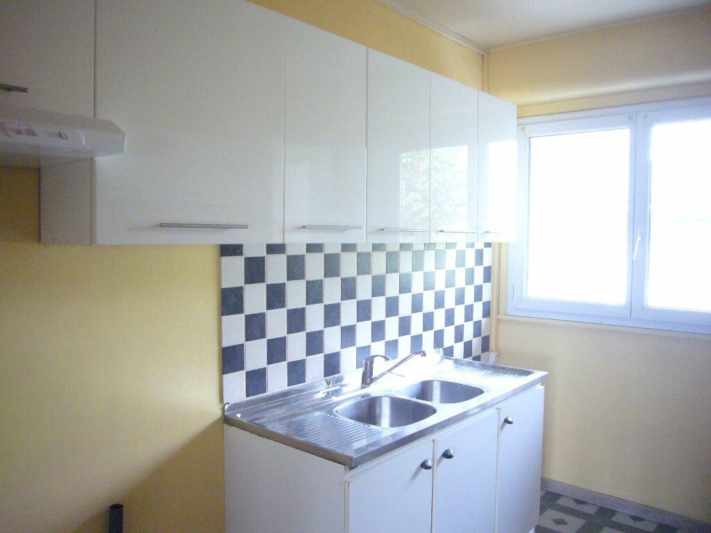 Location Appartement 4 pièces à Lagny-sur-Marne - vignette-1