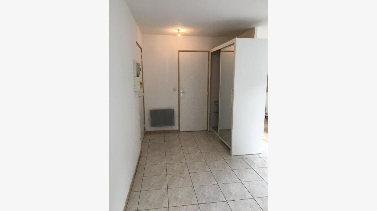 Location Appartement 1 pièce à Lagny-sur-Marne - vignette-2