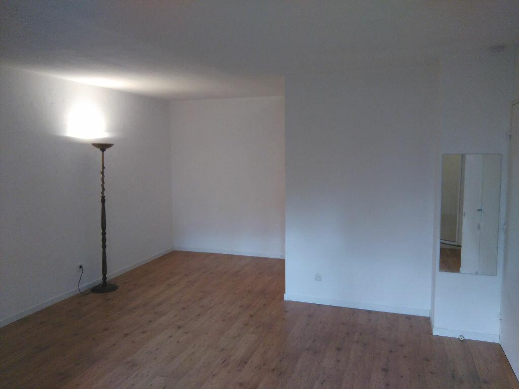 Location Appartement 1 pièce à Toulouse - vignette-4