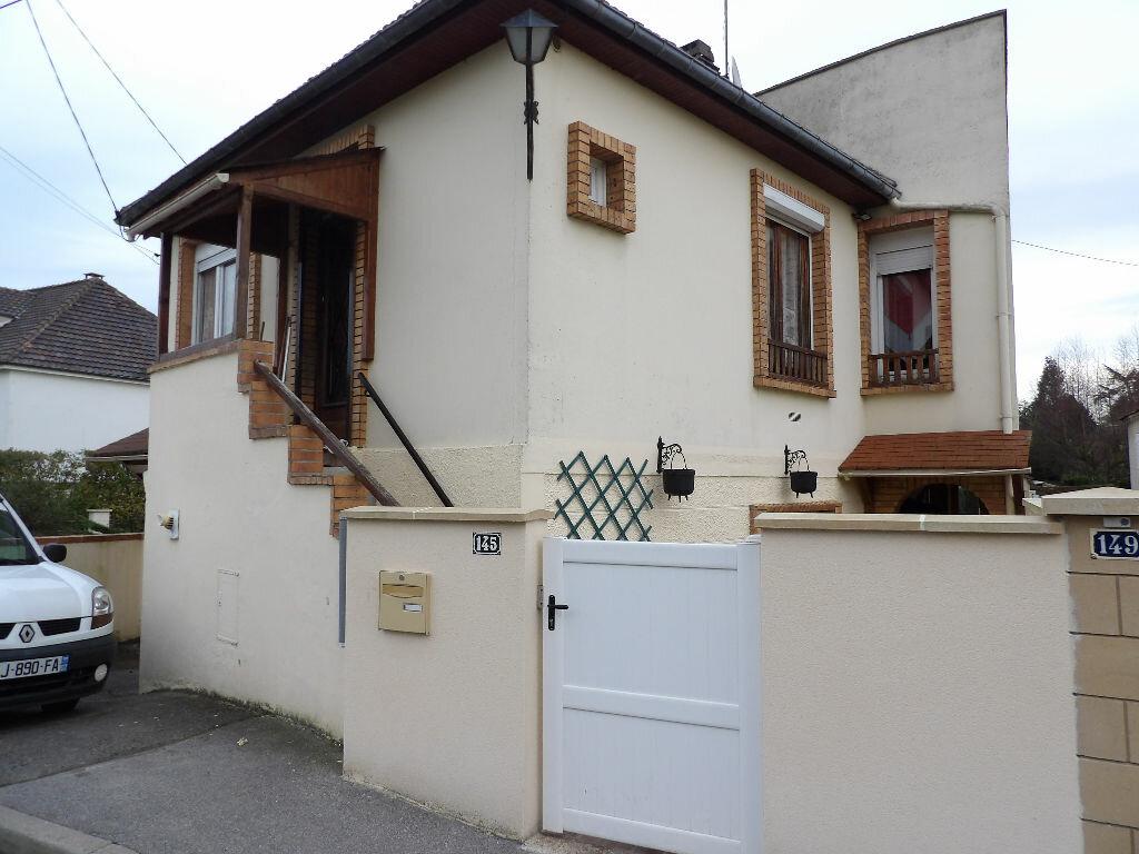 Achat Maison 4 pièces à Cambronne-lès-Ribécourt - vignette-1