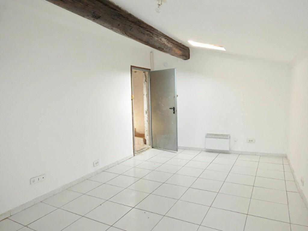 Achat Appartement  à Saint-Gilles - vignette-1