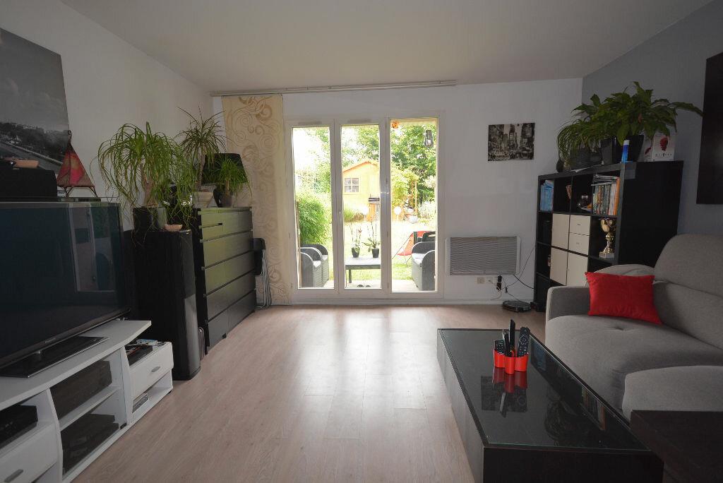 Achat Appartement 1 pièce à Bailly-Romainvilliers - vignette-1