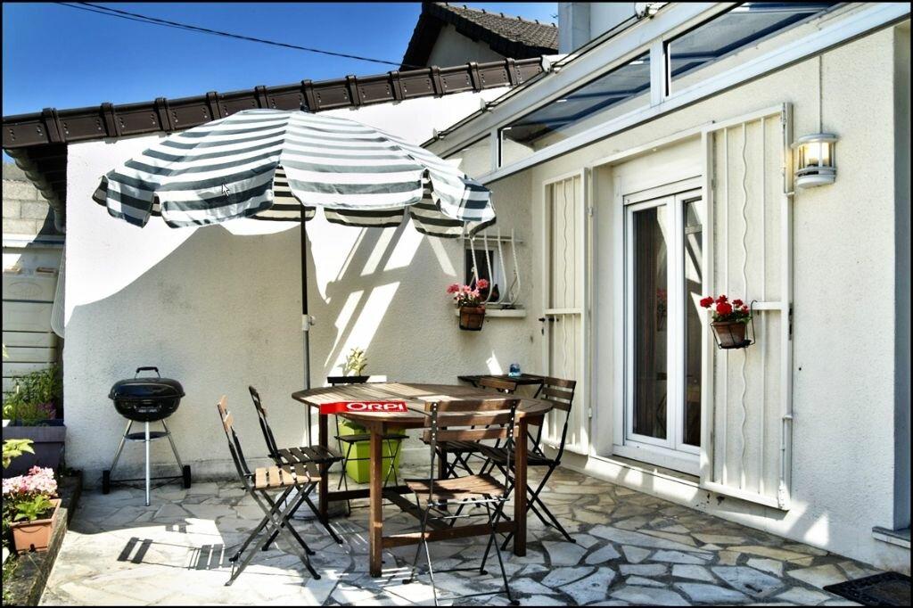 Achat Maison 6 pièces à Noisy-le-Grand - vignette-2