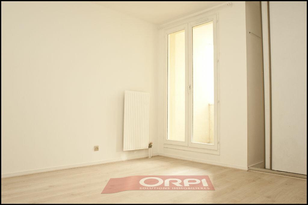Achat Appartement 3 pièces à Noisy-le-Grand - vignette-3