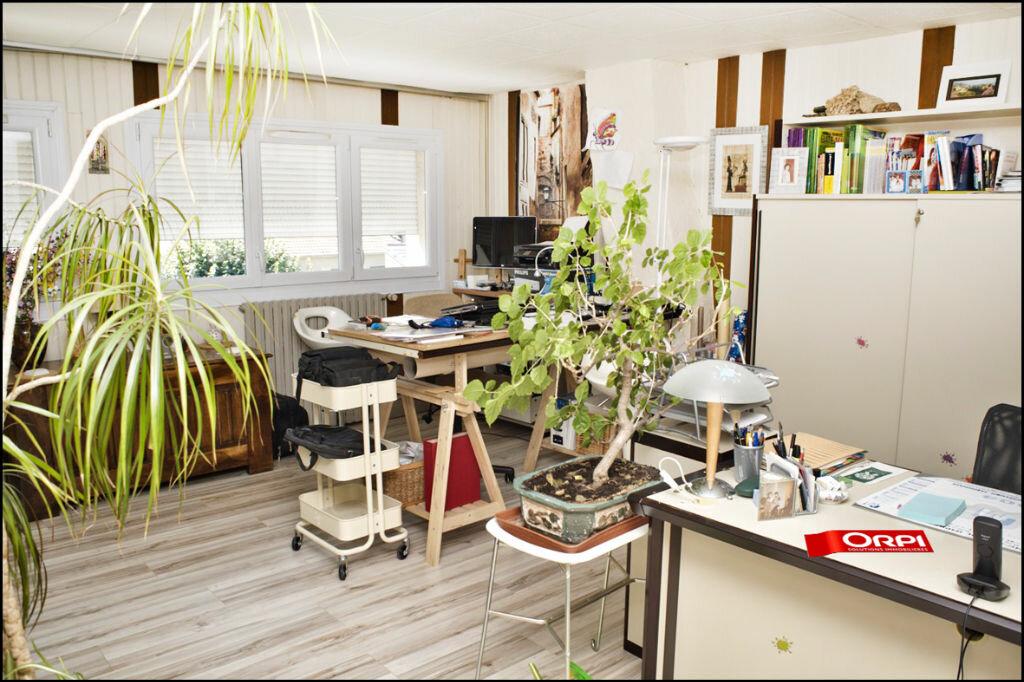Achat Maison 6 pièces à Noisy-le-Grand - vignette-6