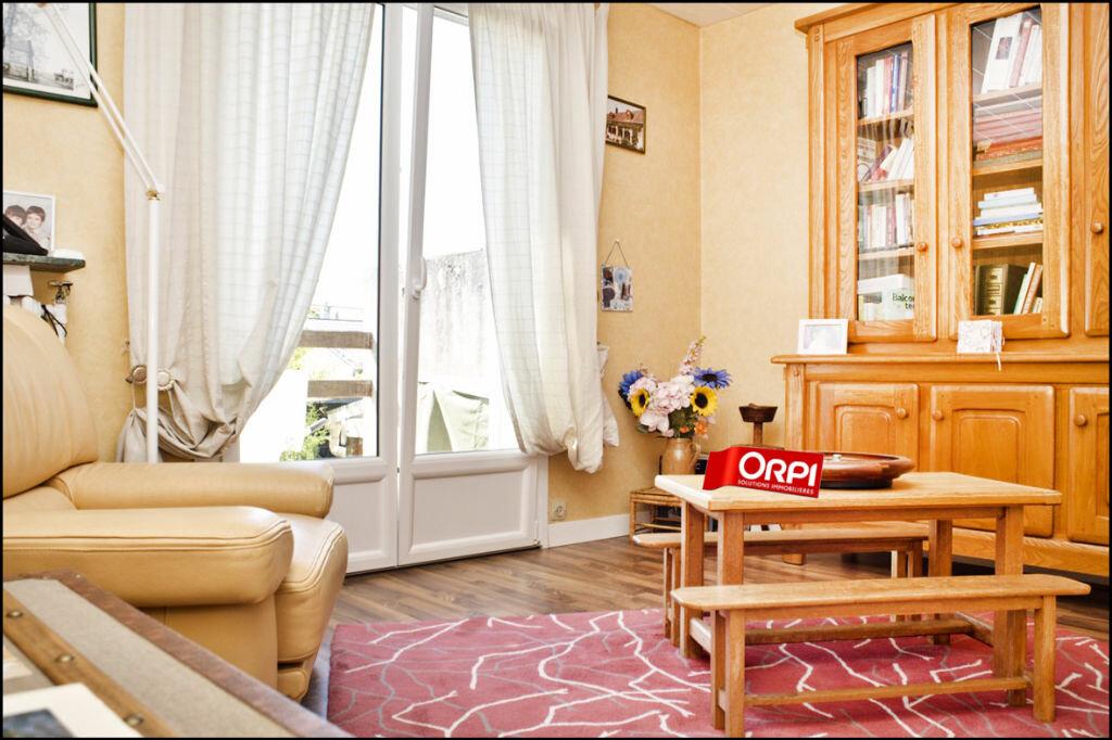 Achat Maison 6 pièces à Noisy-le-Grand - vignette-9