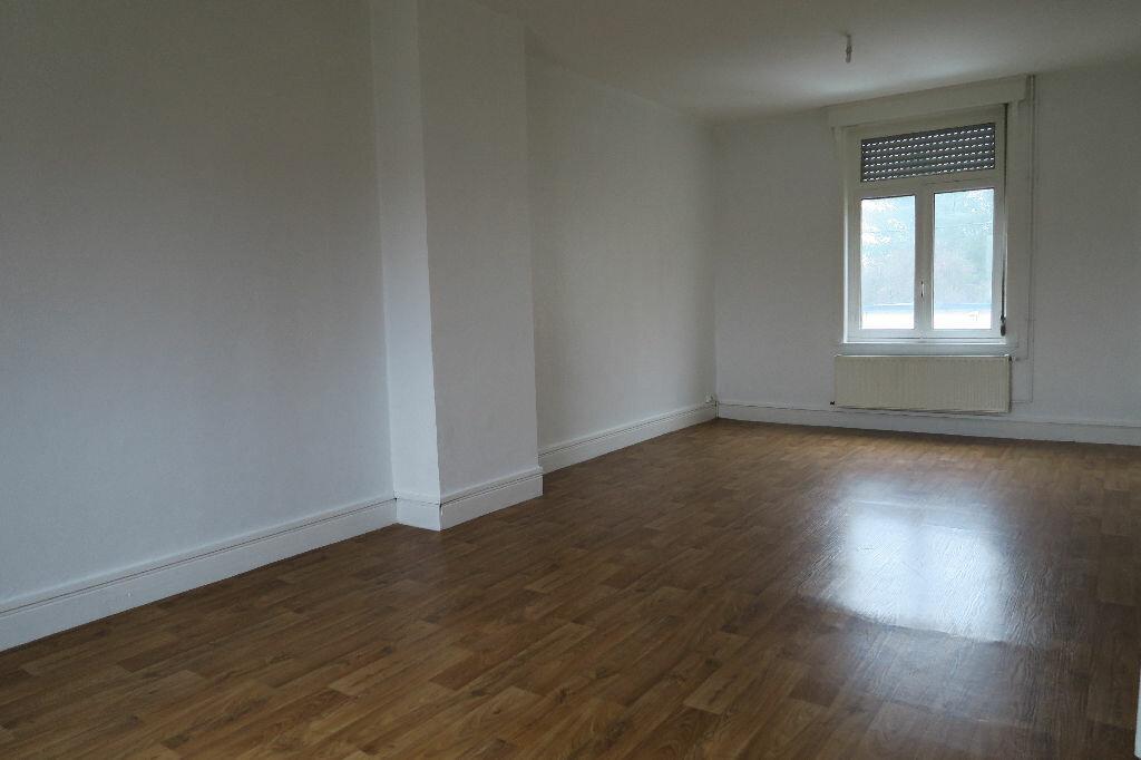 Location Appartement 3 pièces à Merville - vignette-1