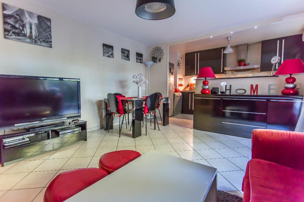 Achat Appartement 3 pièces à Vigneux-sur-Seine - vignette-2