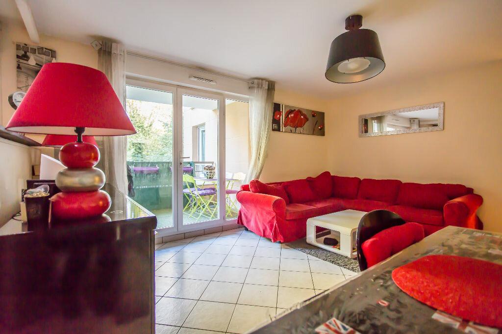 Achat Appartement 3 pièces à Vigneux-sur-Seine - vignette-3