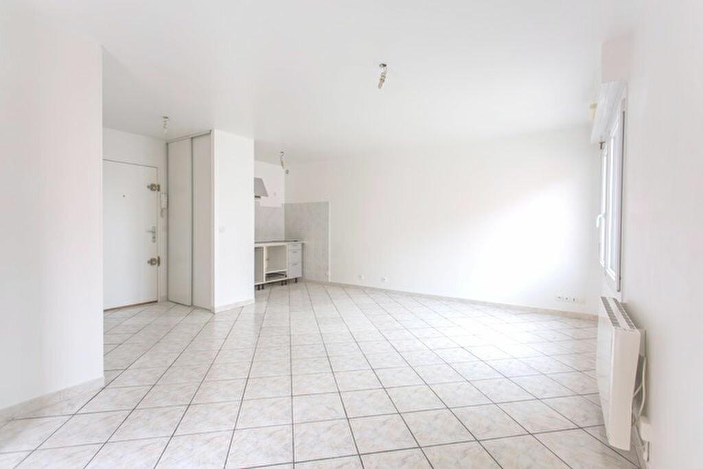 Achat Appartement 1 pièce à Vigneux-sur-Seine - vignette-1