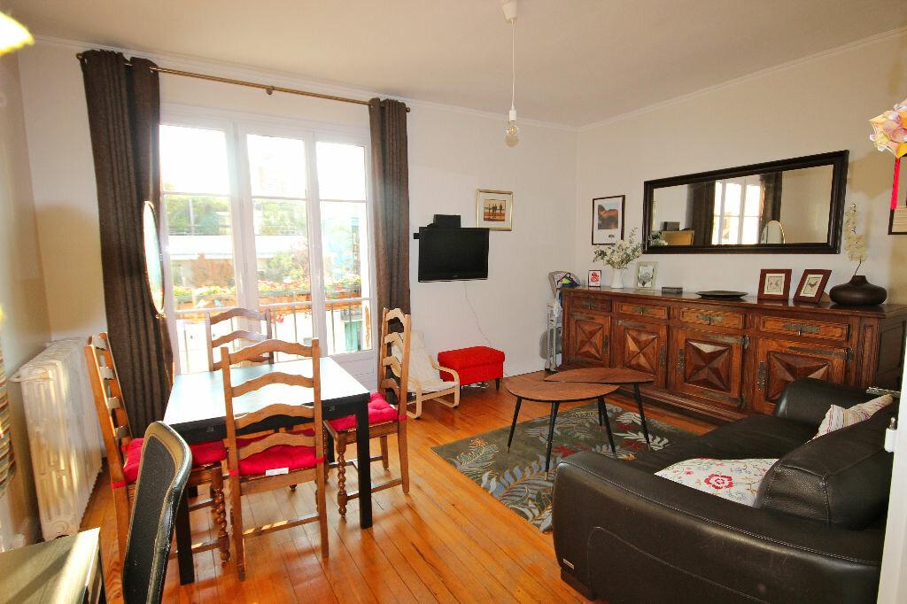 Achat Appartement 3 pièces à Boulogne-Billancourt - vignette-2