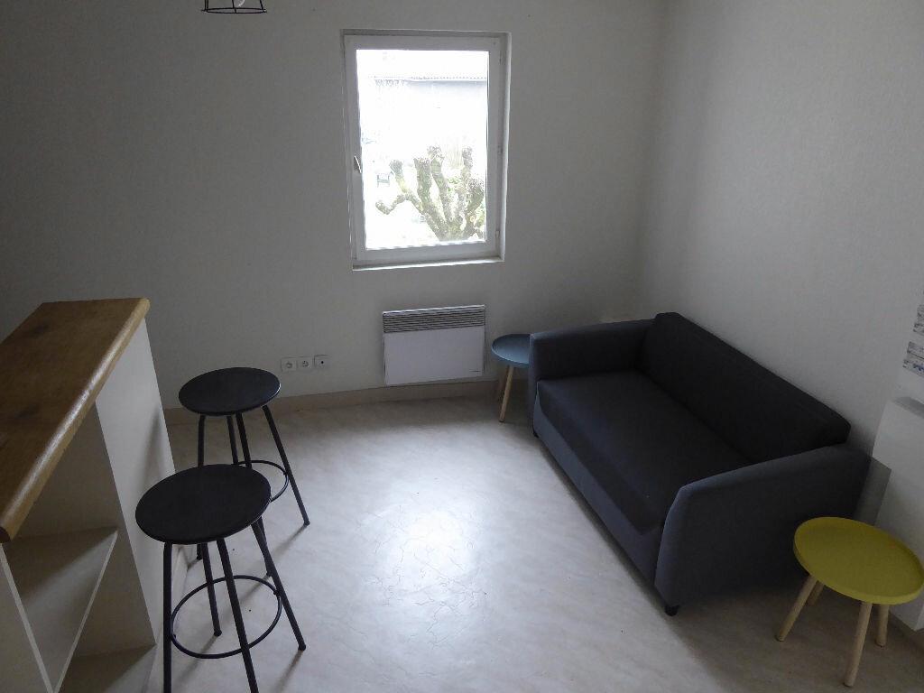 Location Appartement 1 pièce à Limoges - vignette-3