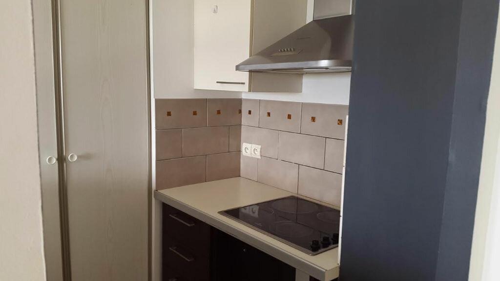 Location Appartement 2 pièces à Saint-Denis - vignette-6
