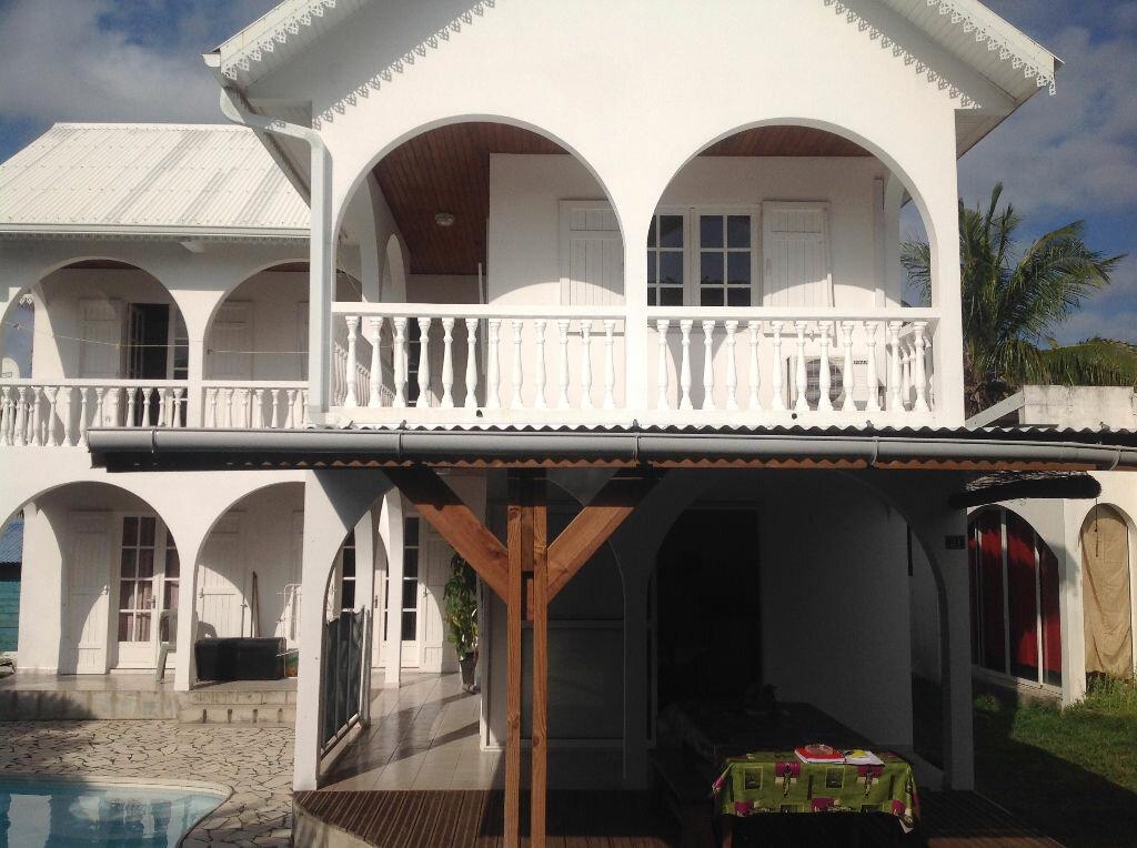 Location Maison 5 pièces à Saint-Joseph - vignette-6