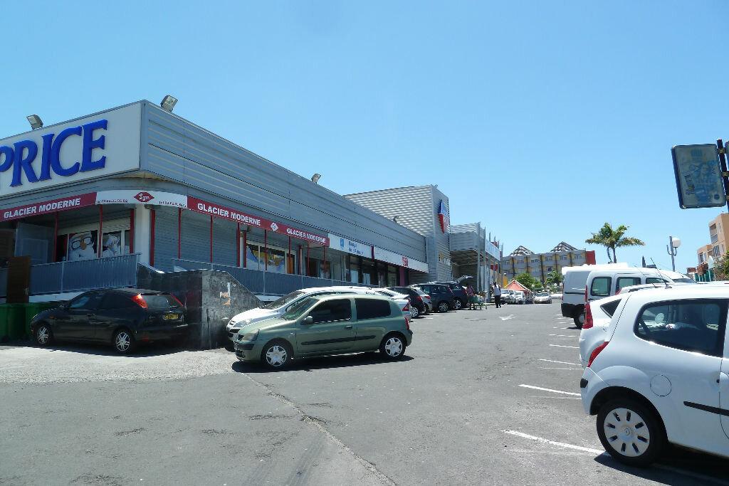 Location Local commercial  à Saint-Pierre - vignette-1
