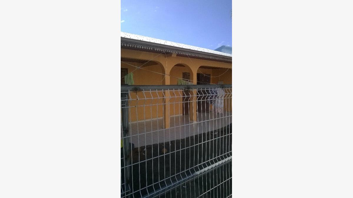 Achat Maison 4 pièces à Saint-André - vignette-1
